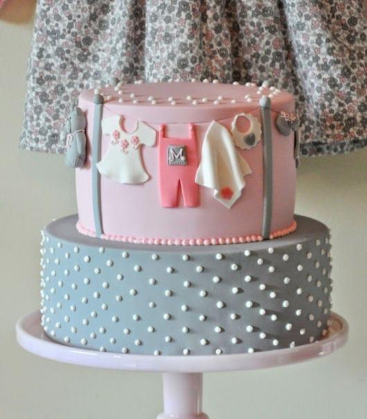 bolo rosa e cinza
