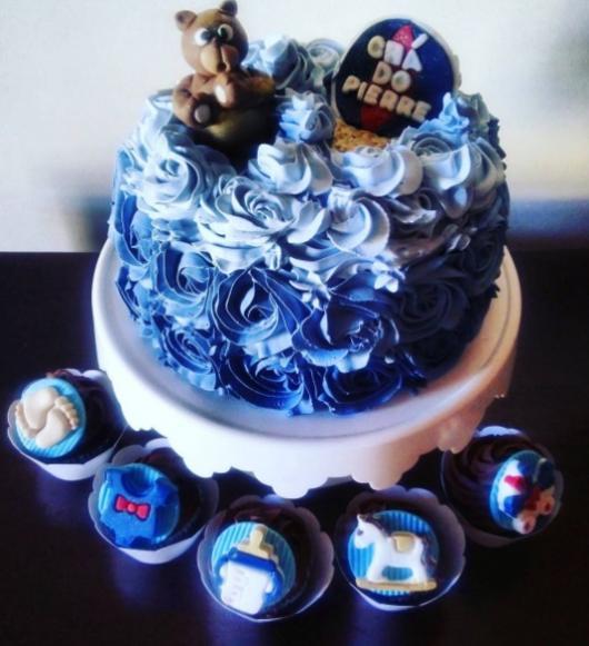 bolo azul glacê