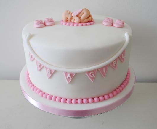 bolo branco e rosa pasta americana