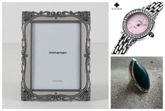 Montagem com porta-retrato, relógio e anel com estanho e zinco.