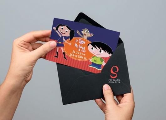 convites Show da Luna com envelope preto