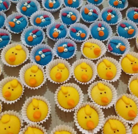 doces festa Galinha Pintadinha