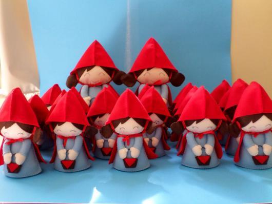 bonecas da chapeuzinho vermelho feitas com feltro