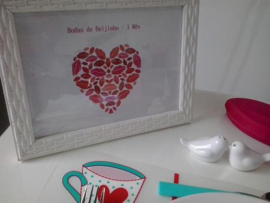 porta-retrato com mensagem de bodas de beijinho