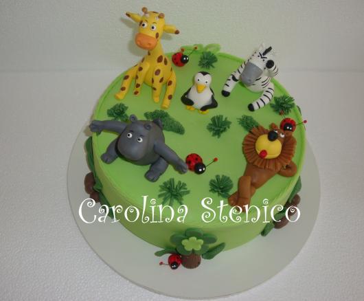 bolo fake safari de biscuit com uma camada