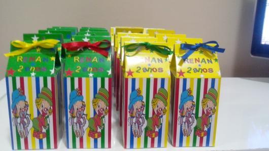 Lembrancinhas Patati Patatá caixinha porta doces de papel