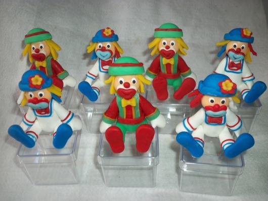 Lembrancinhas Patati Patatá caixinha acrilico com biscuit