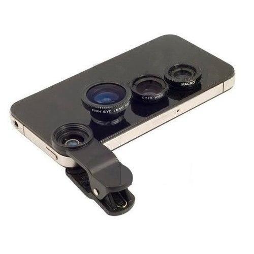 Celular com quatro lentes diferentes em cima.