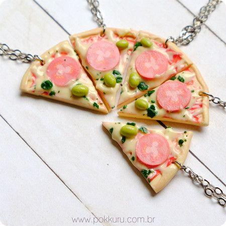 colares com pingente de pedaço de pizza como presentes para melhor amiga