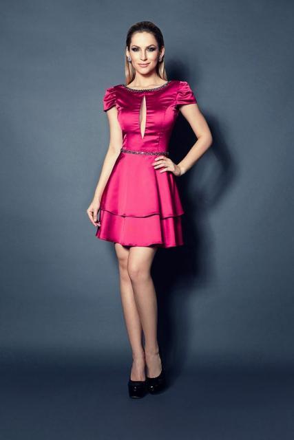 vestido de formatura rosa pink curto de cetim