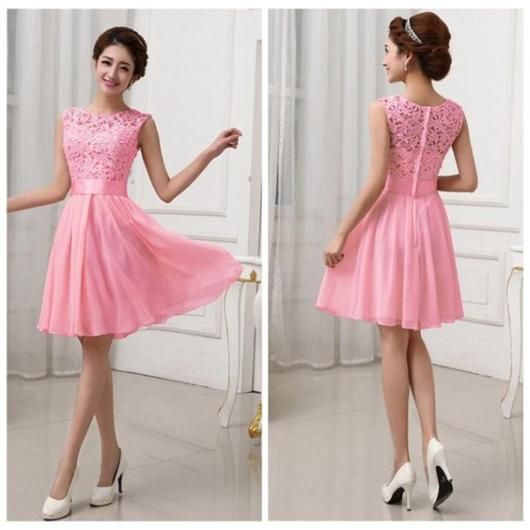 vestido de formatura rosa curto com renda