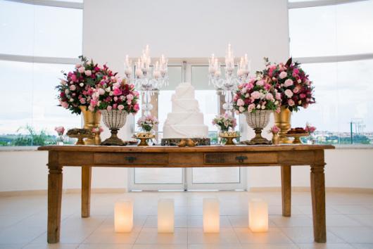 mesa de bolo para bodas de cristais