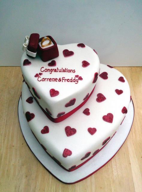 bolo 2 andares coração