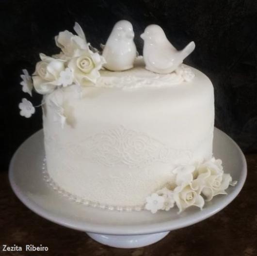 bolo branco pequeno