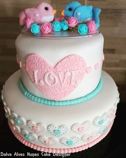 bolo decorado azul e rosa