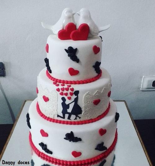 bolo com topo de passarinhos
