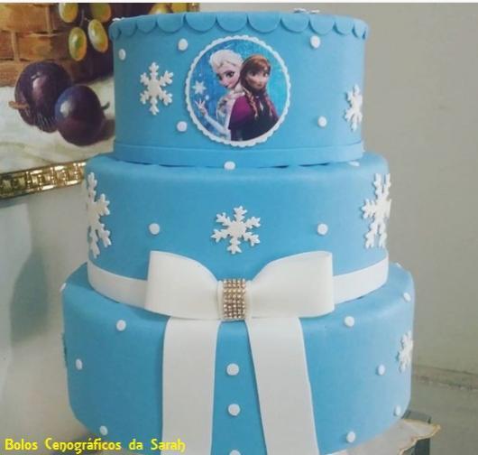 bolo falso Elsa e Anna