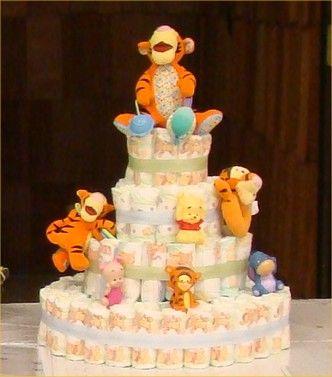 bolo fake unissex do ursinho Pooh com seus personagens encima