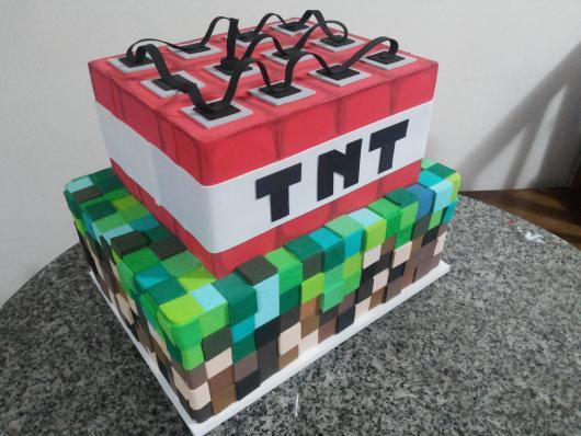 Bolo Fake Minecraft modelo com eva