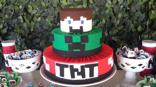 Bolo Fake Minecraft feito com tecido e isopor