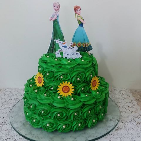 bolo verde de chantilly do Frozen Fever