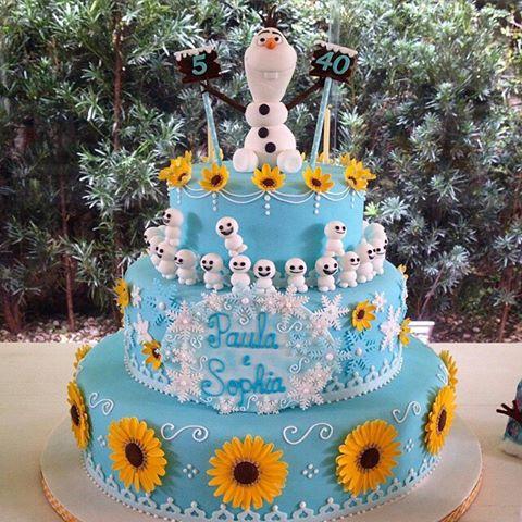 bolo azul de pasta americana do Frozen Fever