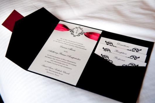 convites preto e branco para casamento com senhas