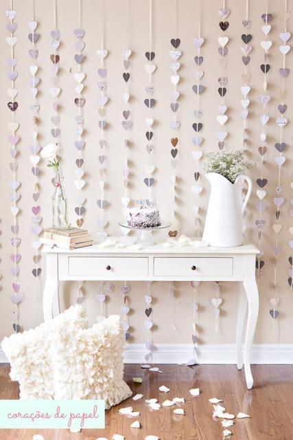 cortina de corações branco e cinza com diversas estampas