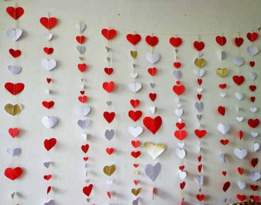 cortina de corações vermelho e branco