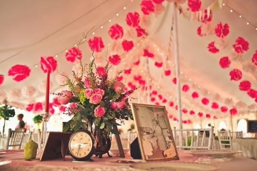 Decoração com papel crepom para casamento flores rosa e branca