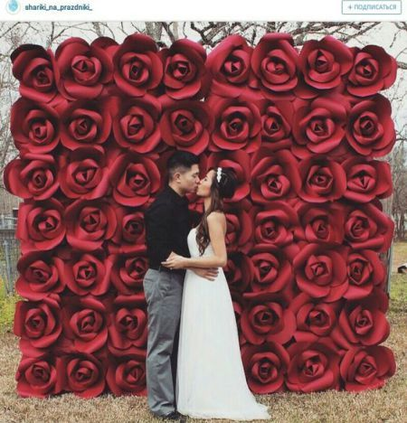 Decoração com papel crepom painel de rosas