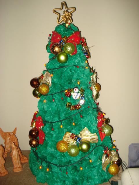 Decoração com papel crepom árvore de natal