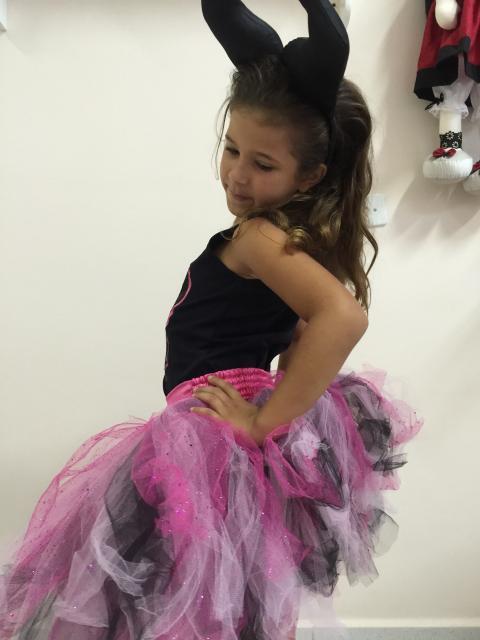 Fantasia Malévola infantil feita com tutu de bailarina