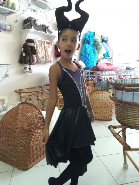 Fantasia Malévola infantil vestido com meia calça