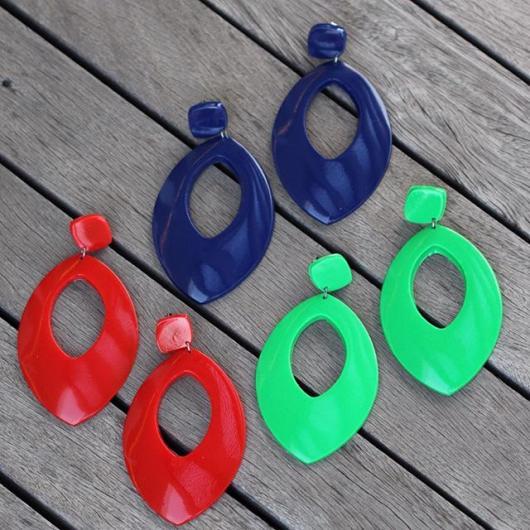 brincos coloridos para Look hippie