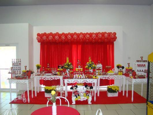Festa da Minnie vermelha com cortina
