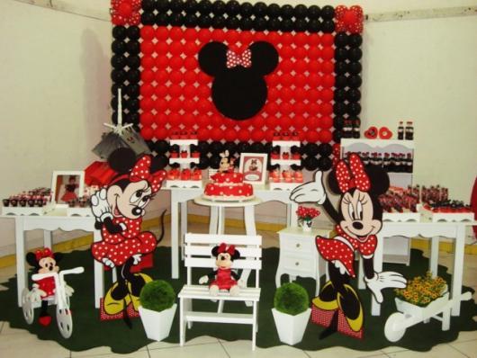 Festa da Minnie vermelha com painel de bexigas
