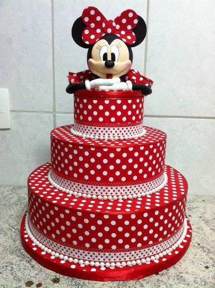 Festa da Minnie vermelha bolo fake de bolinhas