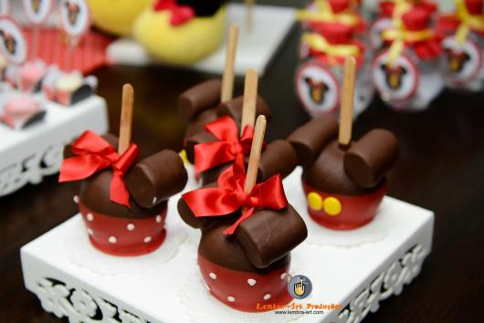 Festa da Minnie vermelha cake pop