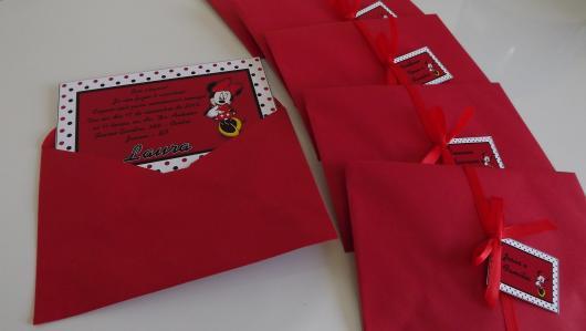 Festa da Minnie vermelha convite vermelho e branco