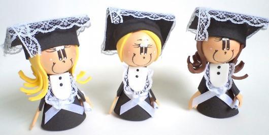 três formandas de biscuit