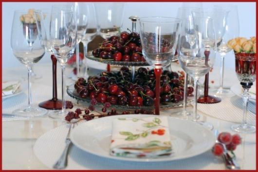decoração com frutas vermelhas