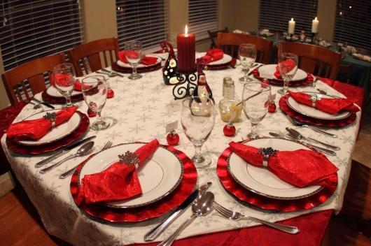 decoração simples mesa com toalha