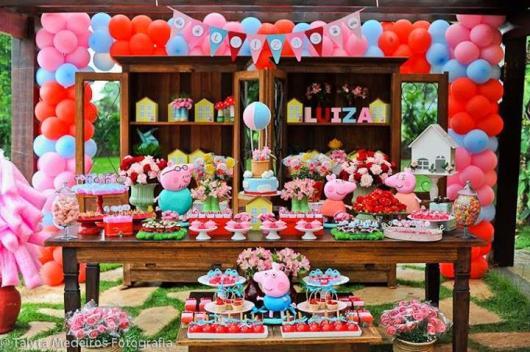 mesa de doces da Peppa