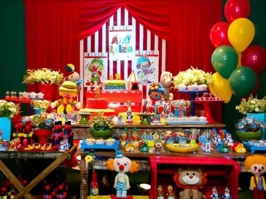 decoração em mesa de doces do Patati Patatá