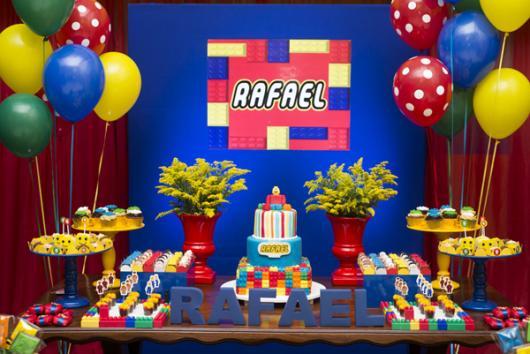 mesa de doces do Lego