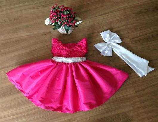 Vestido rosa para festa infantil