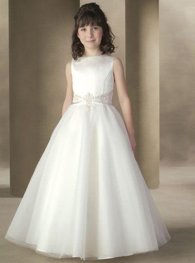 Vestido branco de menina para formatura