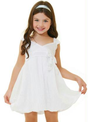 Vestido branco de formatura infantil simples