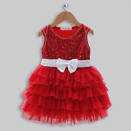 Vestido vermelho com babado e laço branco